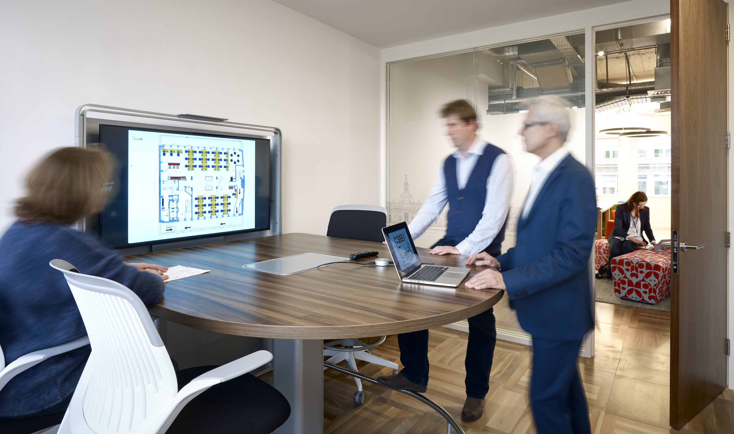 Us&co Meeting Rooms standing meeting table